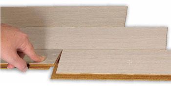 Parquet prefinito flottante pavimento in legno rigatino with parquet prefinito flottante for Parquet flottante prezzi ikea